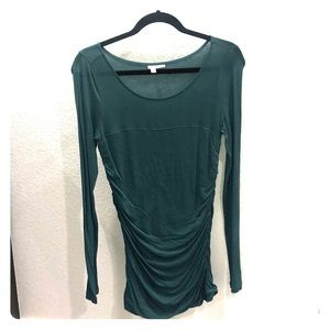 Emerald green long sleeve rouched sweater.